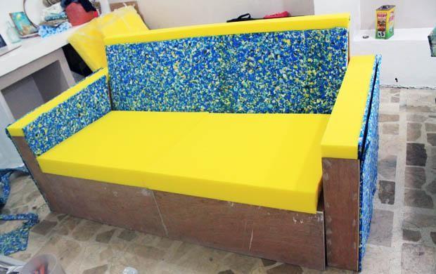 диван с поролоном